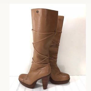 Sketchers Womens Size 7.5 Boots Chunky Heels Camel